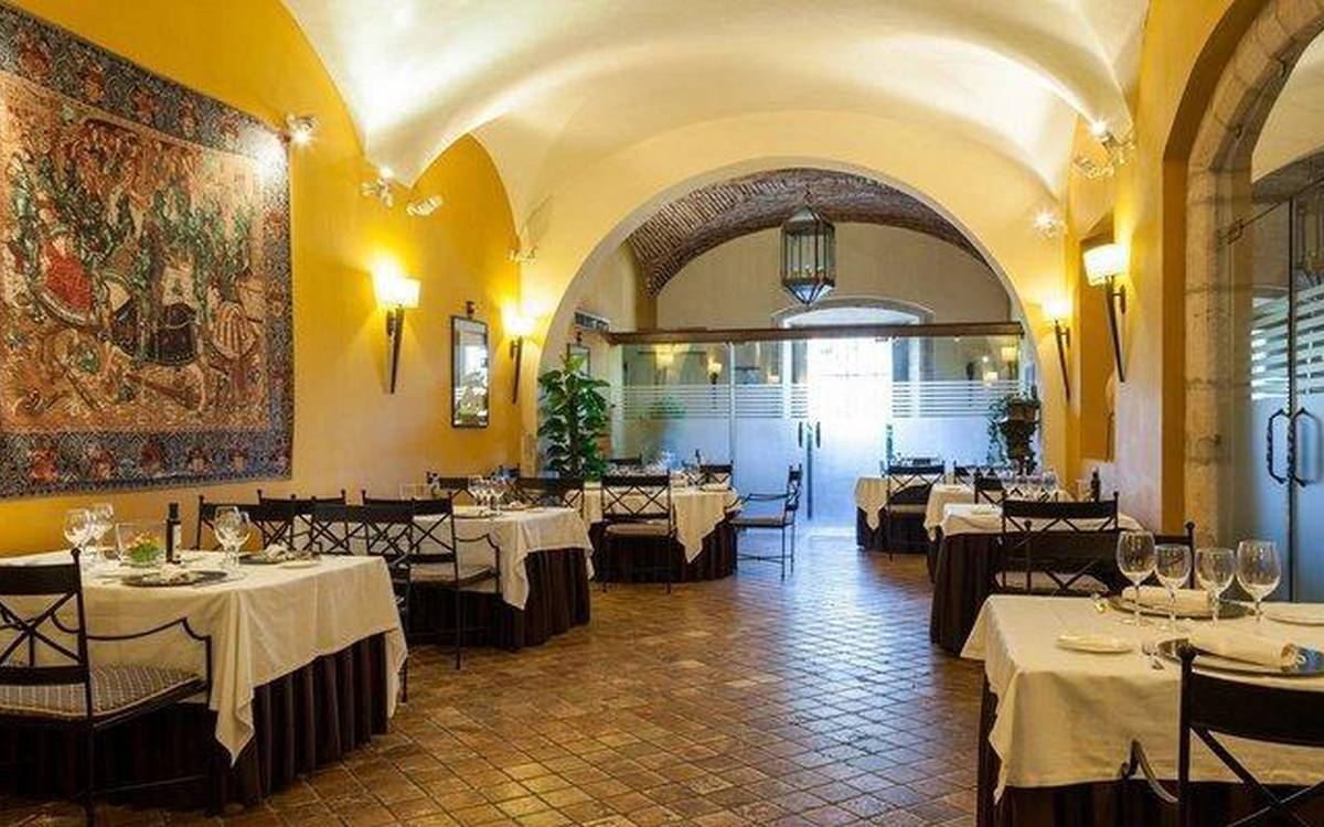 Restaurant hotel ilunion mérida palace